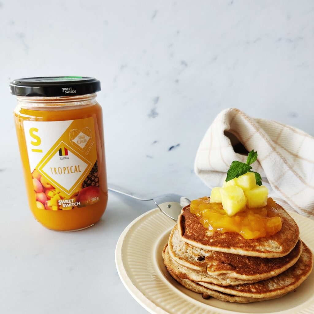 Banana oat pancakes with SWEET-SWITCH® Tropical Fruit Spread.